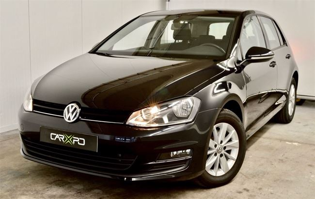 VW GOLF 1.6 TDI 110PK AUTO AIRCO - NAVI - BLUETOOTH