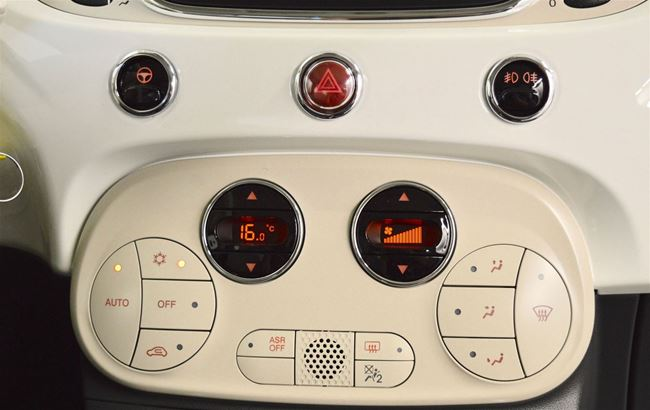 FIAT 500 1.2 LOUNGE 69PK