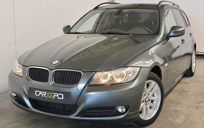 BMW 320D TOURING 170PK NAVI - AUTOMATIQUE - AIRCO
