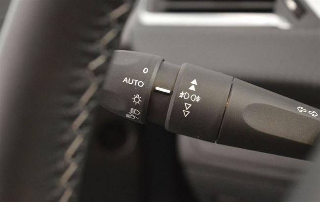 PEUGEOT 208 1.2 82PK ALLURE LED - CRUISE - AUTO AIRCO