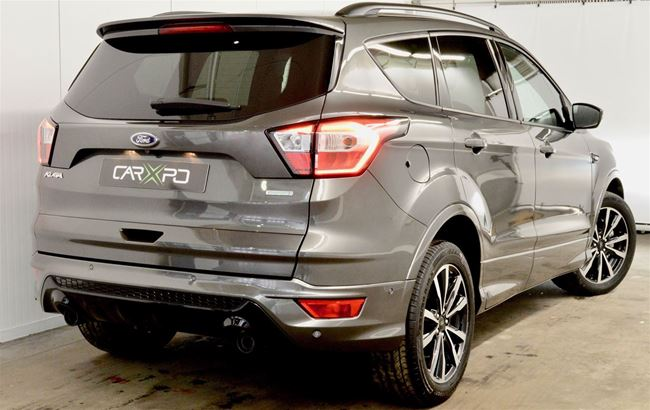 FORD KUGA 180PK 4X4 ST-LINE AT - NAVI - PANO - LED - 18""